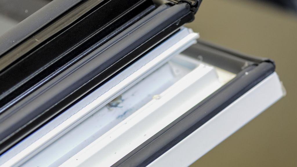 Nouvelle fen tre frappe aluminium ouvrant cach for Fenetre zelles